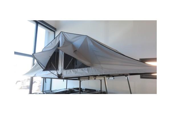 tente de toit rainforest 160 james baroud dream team car. Black Bedroom Furniture Sets. Home Design Ideas